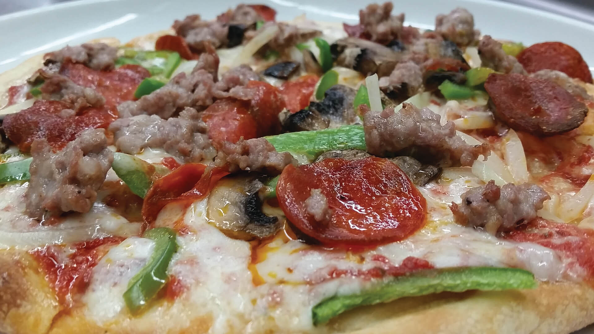 MJS-DELUXE-PIZZA-RESIZED